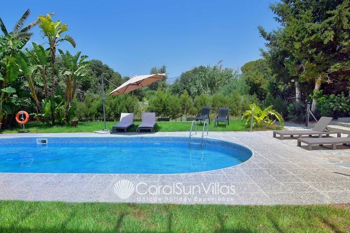 Huge Villa 100m to SANDY beach Large Pool Sleeps15