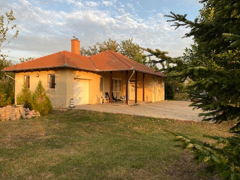 Sunset Cottage. Cozy Home near M3 highway