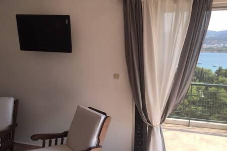 Cozy seaview flat near Airport!! - Porto Rafti - Apartemen
