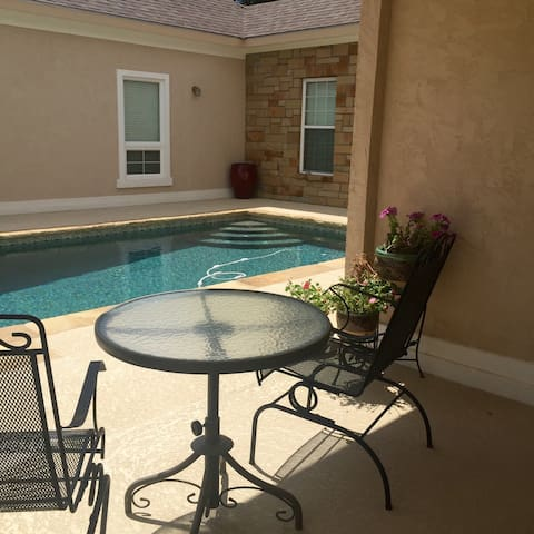 Brownwood Early Tx Upscale 3-Plex Extended Stays