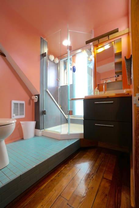 bright bath room