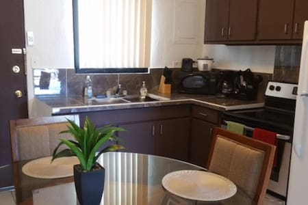 2 BD 1 BATH unit! NEAR BANK OF HAWAII! - Hagåtña