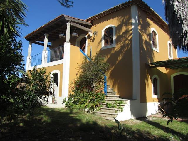 Iris b&b Casa Amarela
