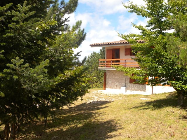 Stunning 3 bedrooms house inside the National Park - Frontignano - Sammerlano - Lakás