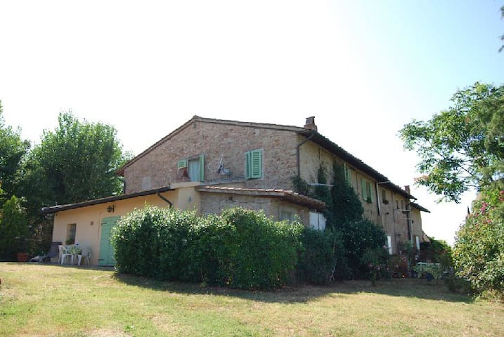 App. Noce casolare pisa campagna - San Pietro Belvedere - House