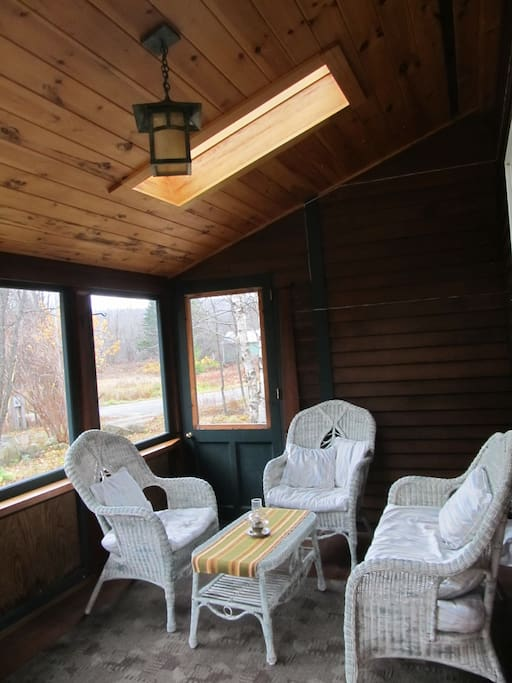 blue mountain lake hindu singles Adirondack vacation rentals  eagle nest, blue mountain lake  the main floor has two bedrooms (two queens, one single bed),.