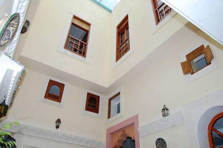 Dar Mounadim - Twin Room