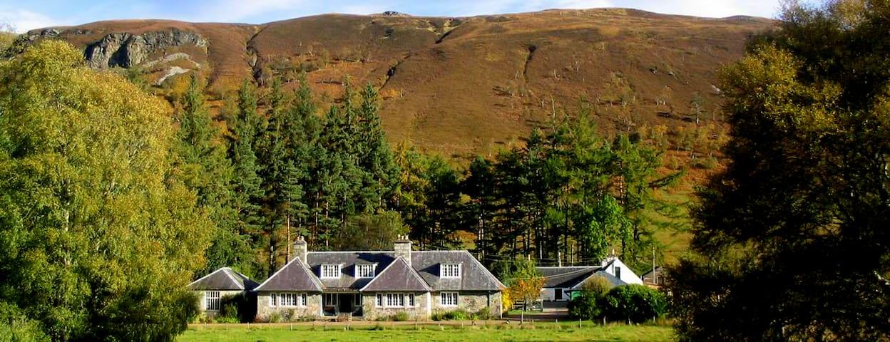 East Rhidorroch Lodge Self catering Accommodation - Ullapool - Casa