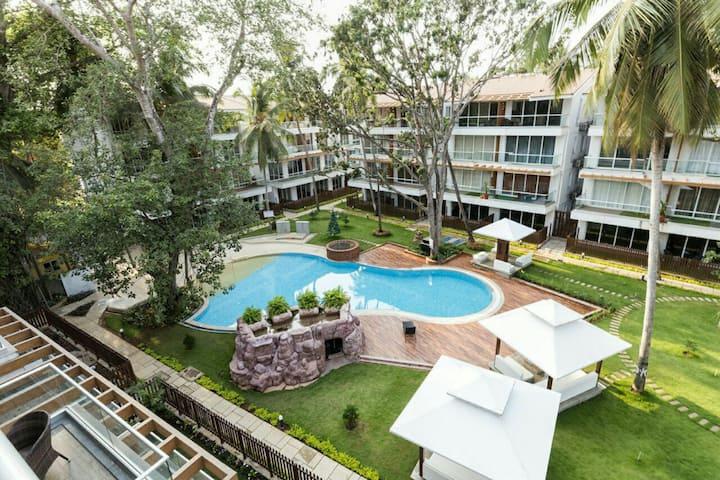 Retreat to a Stylish 2BHK Apaprtment with Balcony