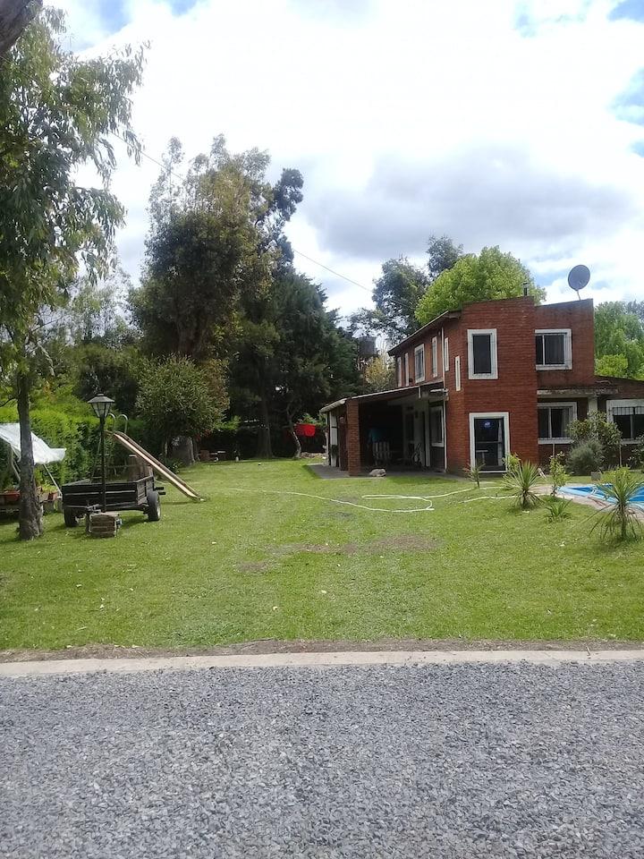 Encantadora Casa Quinta ¨Los Gatitos¨