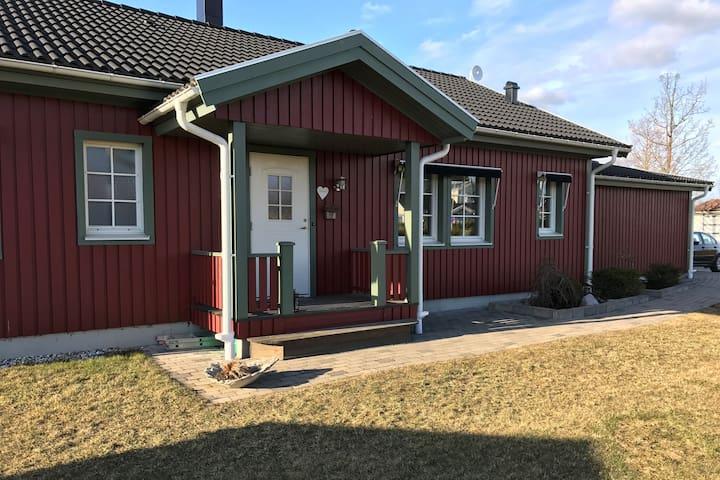 Great house perfect for Vätternrundan - Motala - Casa