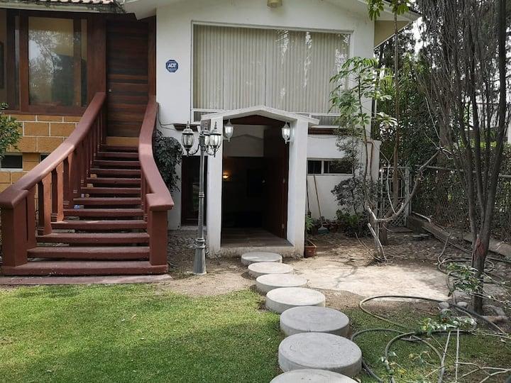 Hermosa suite, cerca de lago y casa club