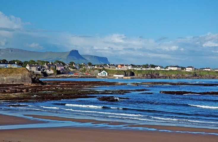 Four bedroom detached (Bundoran Holiday Lettings)