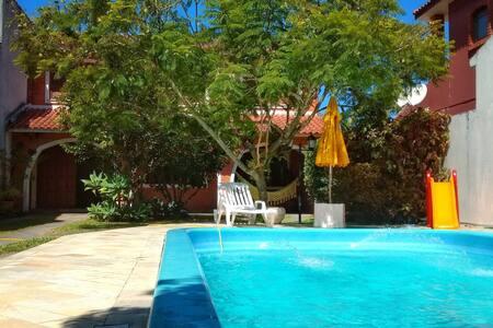 ⭐ EXCELENTE CASA com piscina e 4 dormitórios