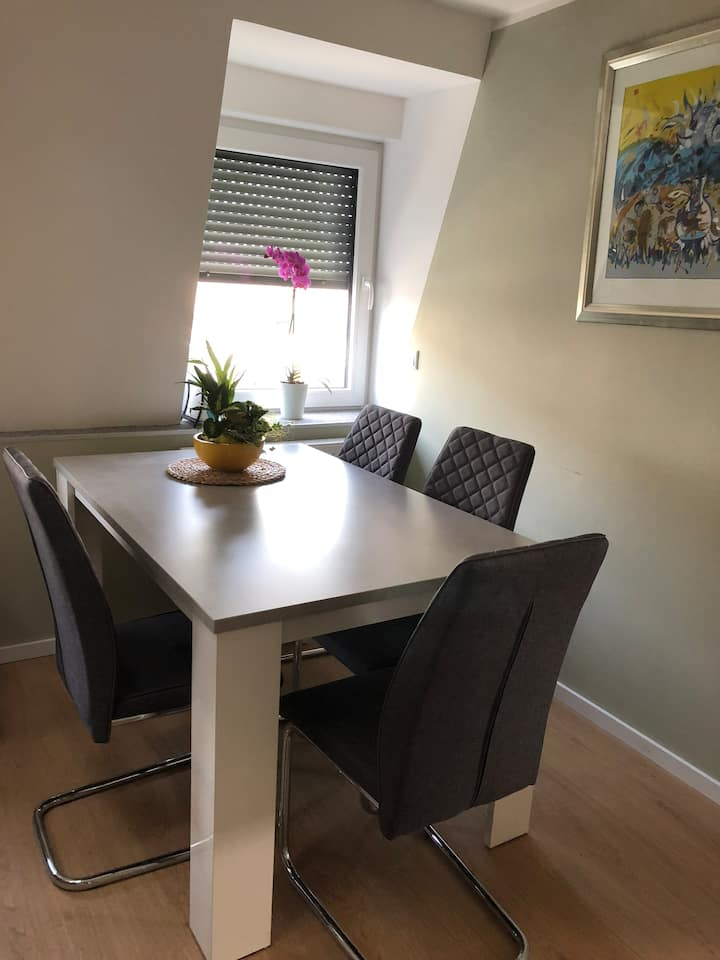 Apartment 10 minutes away from city center (metro)