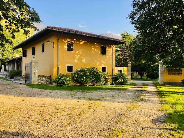 Appartamento privato in villa storica