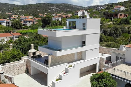Villa Adastra - newly constructed villa near beach