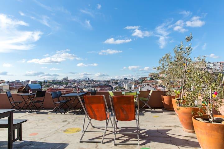 Twin Room @ This Is Lisbon Hostel - Lisboa - Bed & Breakfast