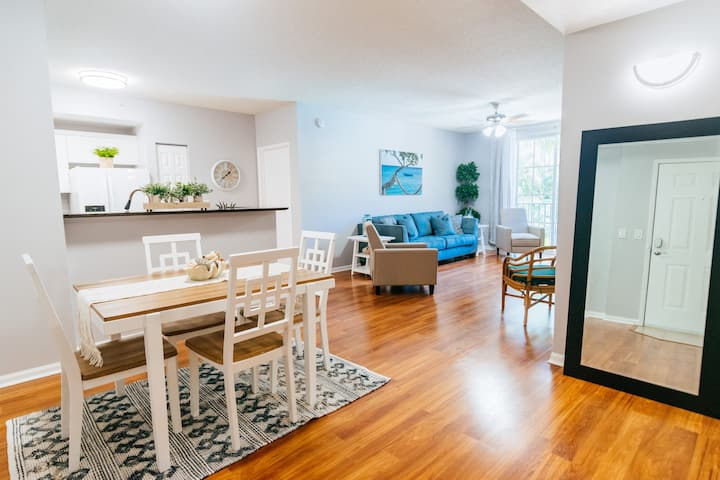 Bright Modern Condo at CityPlace West Palm Beach