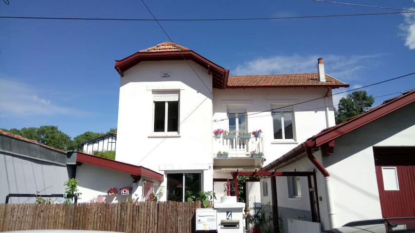 Chambre privée maison Notre Fleur - Biarritz