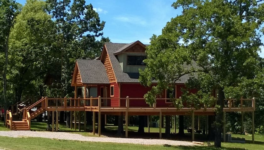 Lakefront Treehouse Adventure for the whole family