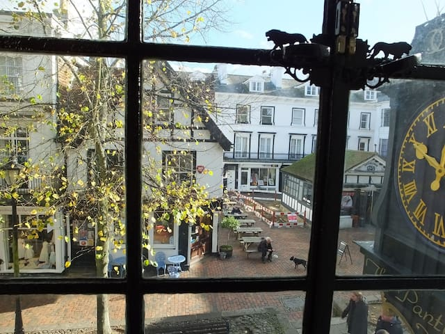 Pantiles Clock Apartment, Tunbridge Wells Kent