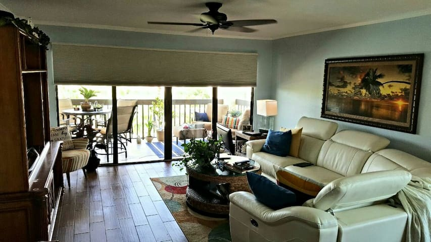 2BD Intracoastal Condo - Only steps to the Beach! - Madeira Beach - Apartment