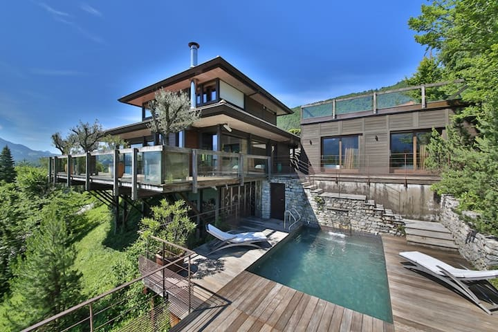 Sevrier - Exceptional villa, Lakeside: Hollywood