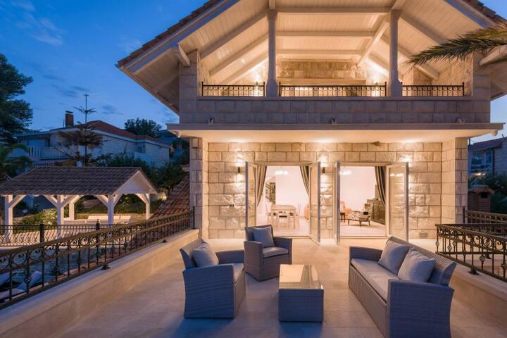 Superb Delightful Villa with Stunning Sea Views