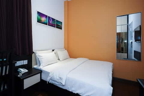 CapitalO89350AuroraBoutiqueHotel- Deluxe 1BR- Queen Bed