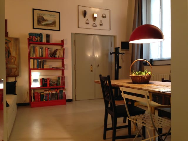 Elegant studio in Brera
