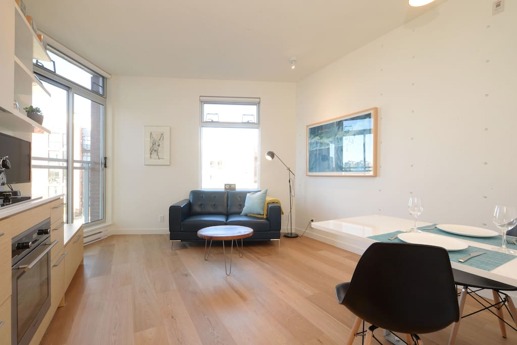Brand new modern suite in the Janion Building in the heart of Victoria.