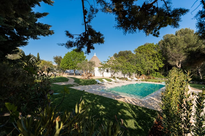 Charming Trullo with private pool and SPA pool