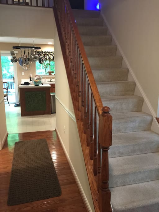 Foyer/Stairs