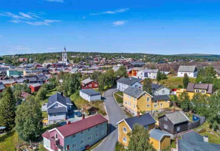Feriebolig på Røros med gammel sjarm og utsikt.