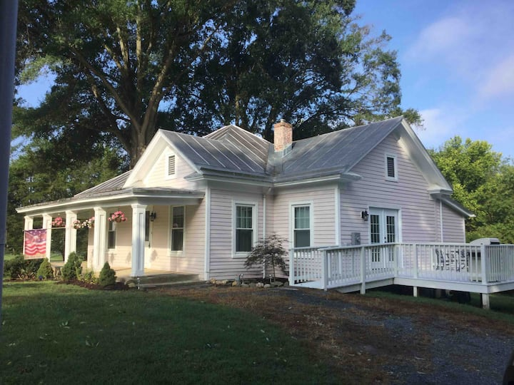 Villa Rosa, charming, quiet& chic restored cottage