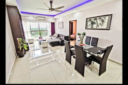 PROMO! 4 Bedroom 2 Bath-Wifi-KLCC View #中文房东