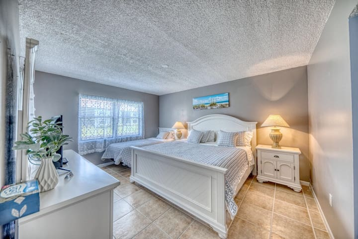 Master bedroom with 1 king size bed and 1 twin XL bed