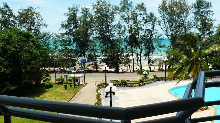 Finest Beach Front Condo 2Bed 2Bath 114 sq. m2
