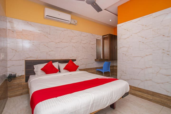 """1 BR Fabulous Stay In Peenya Bangalore - On Sale ✅ """