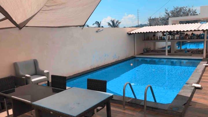 Casa Con Alberca  // Residencial De playa Velamar