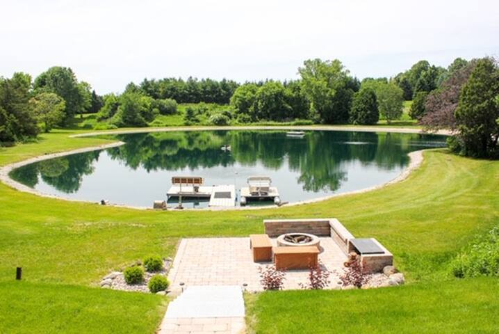 Entire House. 20 min. from Ryder cup. Private pond