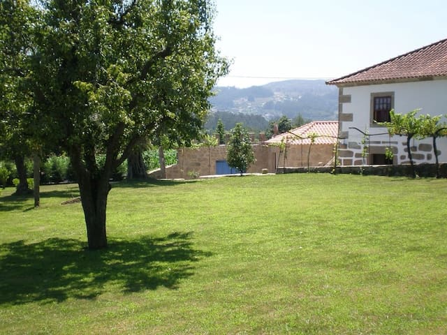 Casa da Quinta-Charming Counstry House(7 persons) - Balugães - Hus