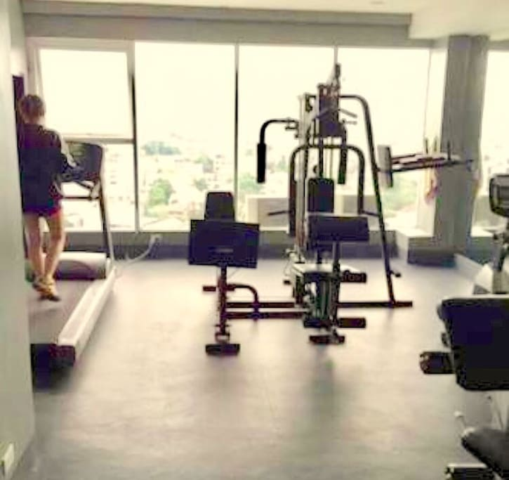 Gym at the roofdeck