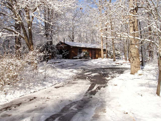 Cottage on 15 Acres 7.9mi/13min-Clemson University - Central - House