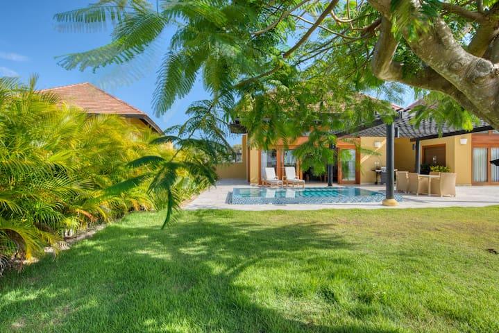 GV1082 · Get a tan in this Year Round Sunshine🌞 Villa
