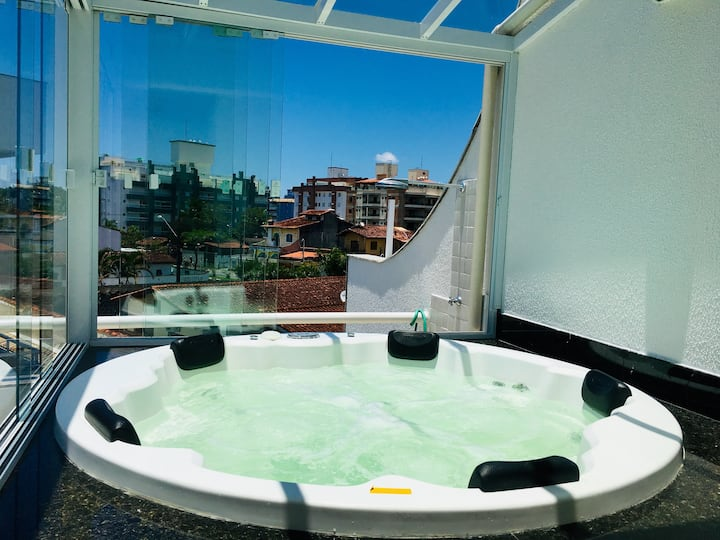 Triplex jacuzzi privativa, churrasq, wifi, Ar cond