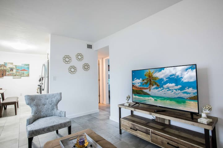 ★Amazing Apartment In the heart of Coconut Grove★