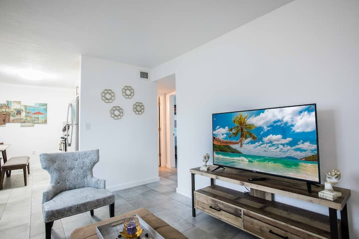 Coconut Grove!  50% Discount all 14+ Day Bookings.