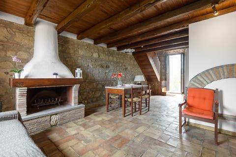 Accogliente e panoramica casa in cascina del '300